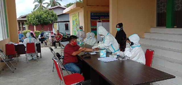Penyelenggara Pemilu Mengikuti Rapid Test