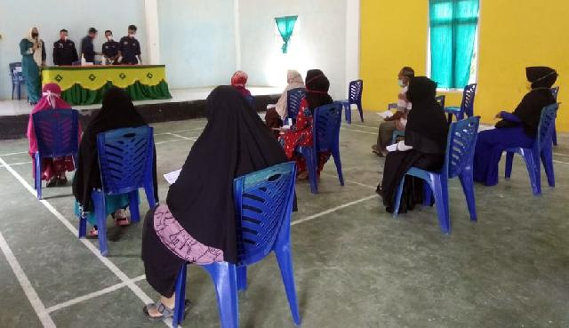 Dinas Sosial Bagikan Kartu KKS Kepada 351 KPM di Kecamatan Bunut