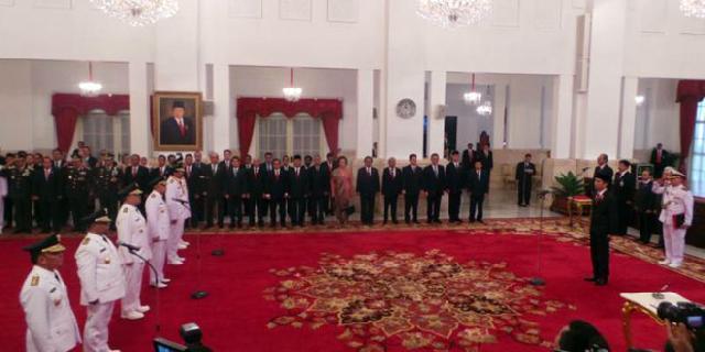 Presiden Jokowi lantik 4 Gubernur dan 2 Wagub di Istana Negara