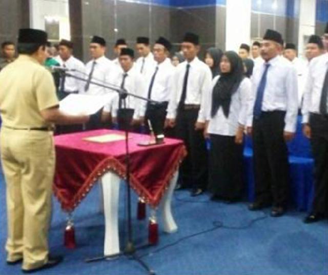 Wakil Bupati Rokan Hulu Sukiman Lantik Ketua dan Pengurus BPD